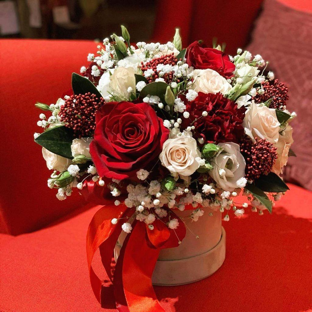 box z cervenych kvetov